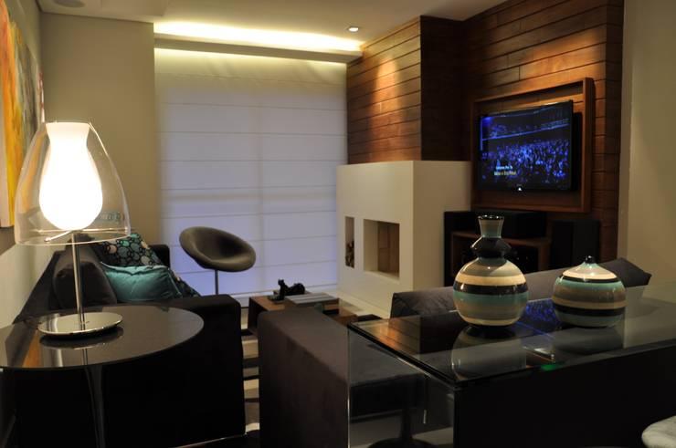 Salas / recibidores de estilo  por Varinia Schwartz Arquitetura & Interiores