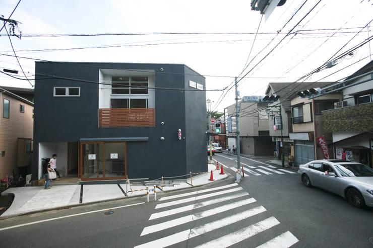 Casas de estilo  por 一級建築士事務所 本間義章建築設計事務所, Moderno