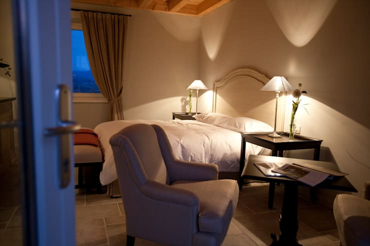 Dormitorios de estilo  por Anna Paghera s.r.l. - Interior Design