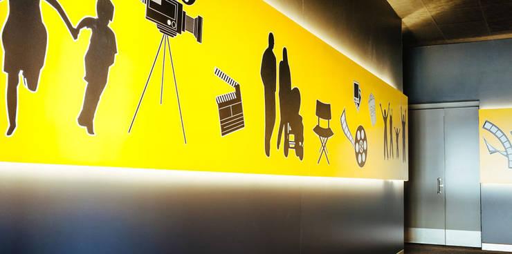 Bilgece Tasarım – Dervişoglu Sinemaları:  tarz Etkinlik merkezleri, Modern