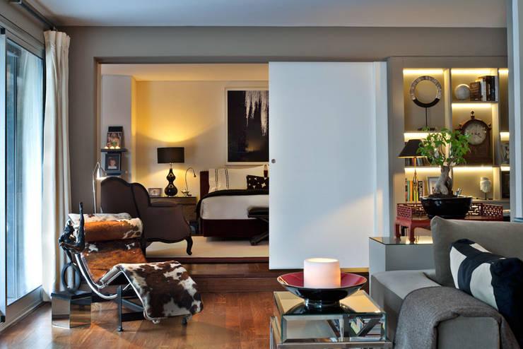 Apartamento em Cascais: Quarto  por Pureza Magalhães, Arquitectura e Design de Interiores