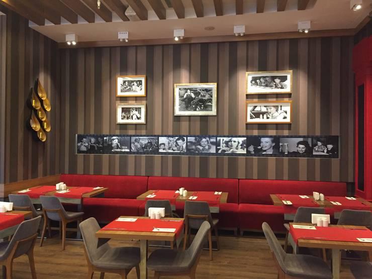 Emre Doğ Mimarlık – FOODIES Brasserie:  tarz Yemek Odası, Eklektik Ahşap Ahşap rengi