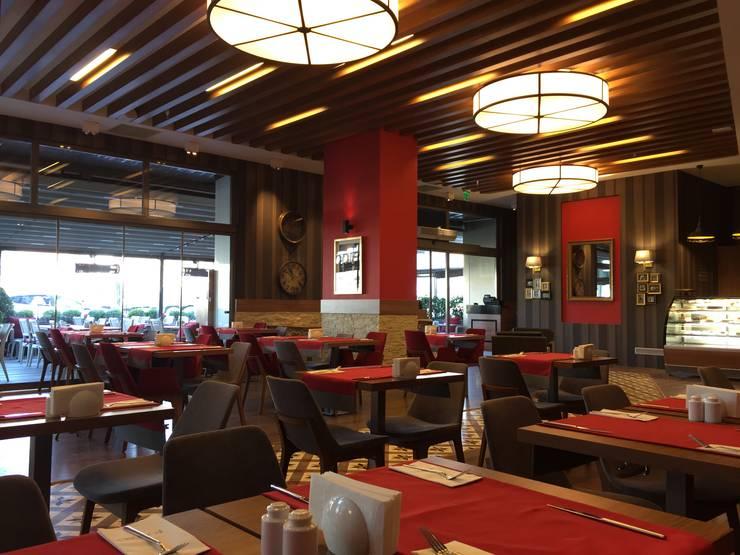 Emre Doğ Mimarlık – FOODIES Brasserie:  tarz Yemek Odası, Eklektik