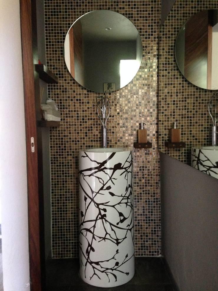 viniles decorativos: Baños de estilo  por vinilazo