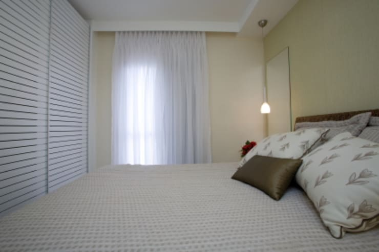 Apartamento Litoral Sul – Brasil, São Paulo: Quartos  por Arquitetura 8 - Ana Spagnuolo & Marcos Ribeiro,Moderno