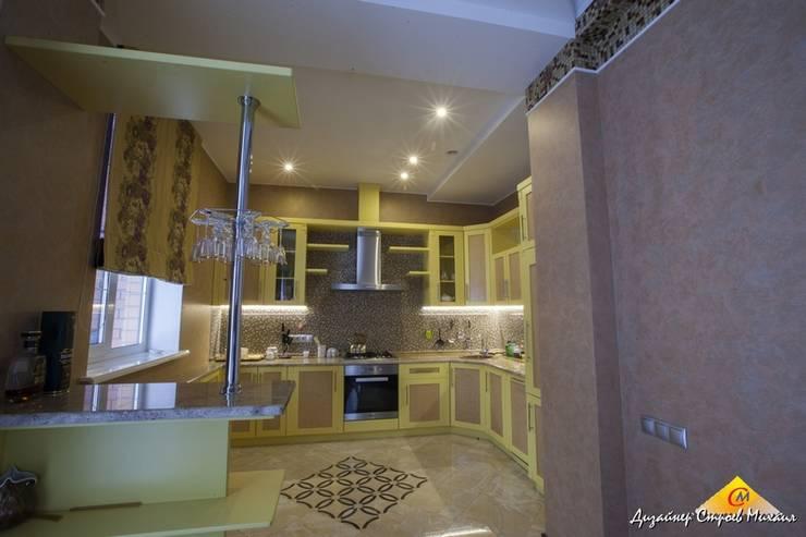 Загородный дом в Быково: Кухни в . Автор – Строев Михаил