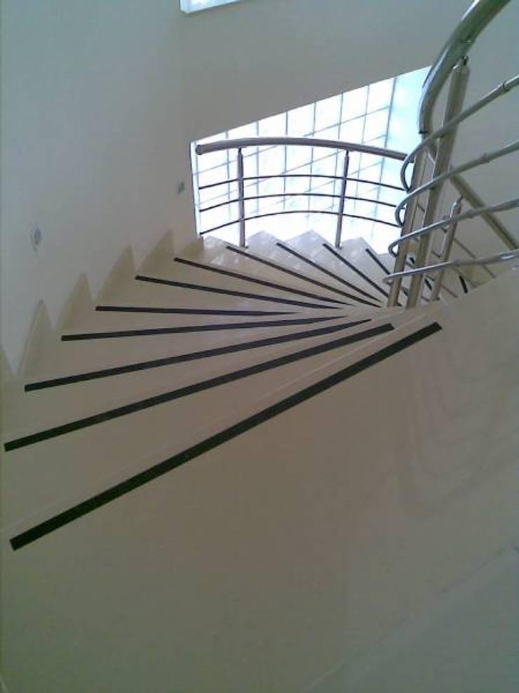 Corridor & hallway by Ege Mermer Granit, Modern