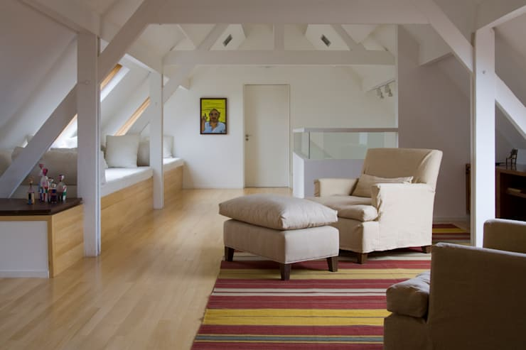Casa en la Barranca · San Isidro, Buenos Aires · Paula Herrero | Arquitectura: Livings de estilo  por Paula Herrero | Arquitectura