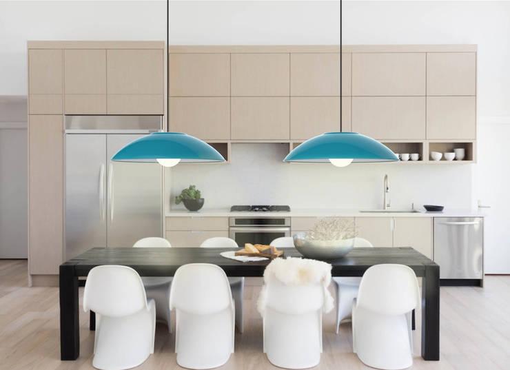 Iluminación industrial: Comedor de estilo  por Co&Ca  Design