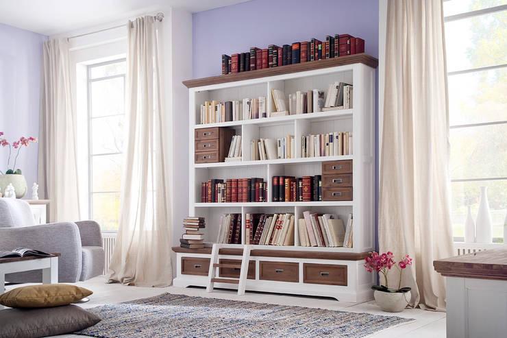 Fleurs Landhaus Style: landhausstil Wohnzimmer von AMD Möbel Handelsgesellschaft mbH & Co. KG