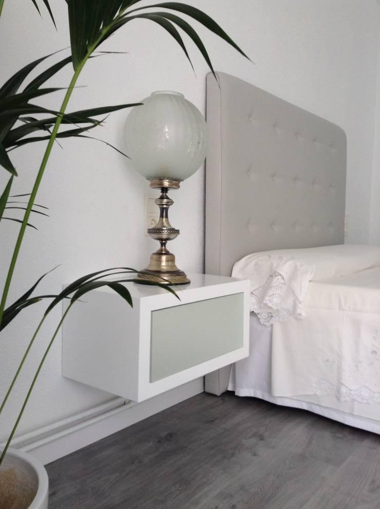 Dormitorios de estilo  por Dulce Albarracin