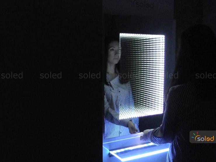 Lustro 3D LED na wymiar – Soleda Mirror: styl , w kategorii Łazienka zaprojektowany przez SOLED Projekty i Dekoracje Świetlne Jacek Solka,