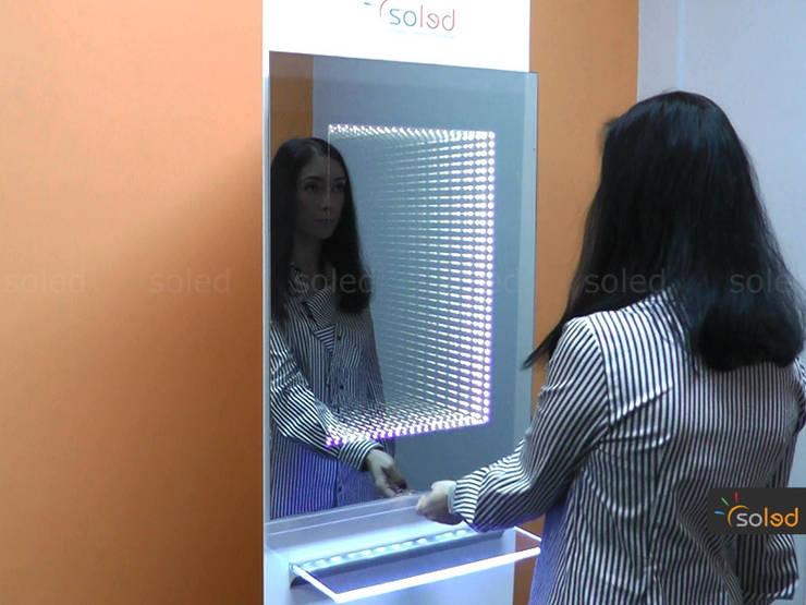 Lustro 3D LED na wymiar – Soleda Mirror: styl , w kategorii Spa zaprojektowany przez SOLED Projekty i Dekoracje Świetlne Jacek Solka,