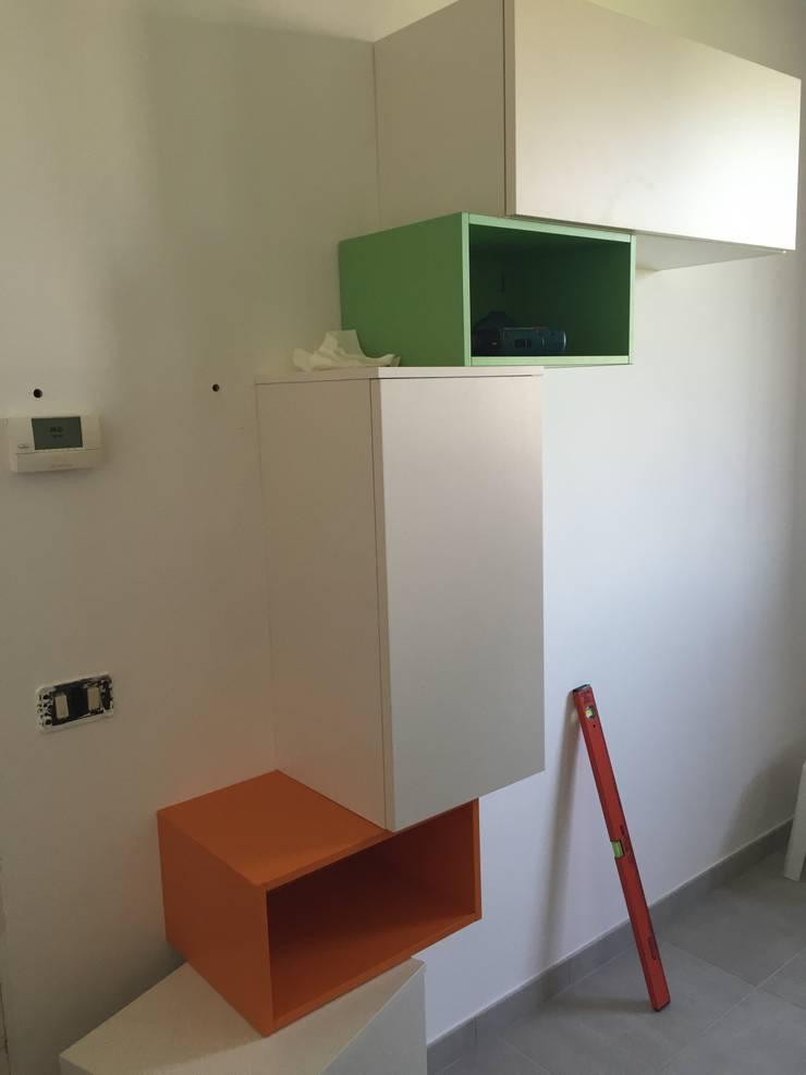 work in progress soggiorno in openspace: Soggiorno in stile in stile Moderno di Arreda Progetta di Alice Bambini