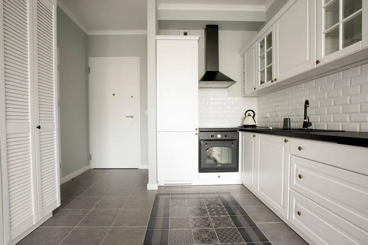 Jasnodworska - korytarz i aneks kuchenny: styl , w kategorii Kuchnia zaprojektowany przez ABU Wnętrza,Skandynawski