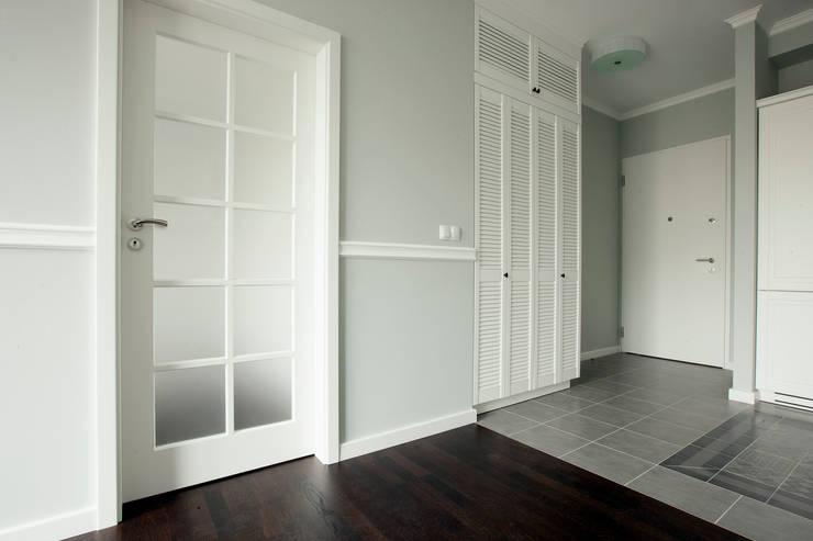 Jasnodworska - korytarz: styl , w kategorii Korytarz, przedpokój zaprojektowany przez ABU Wnętrza,Skandynawski