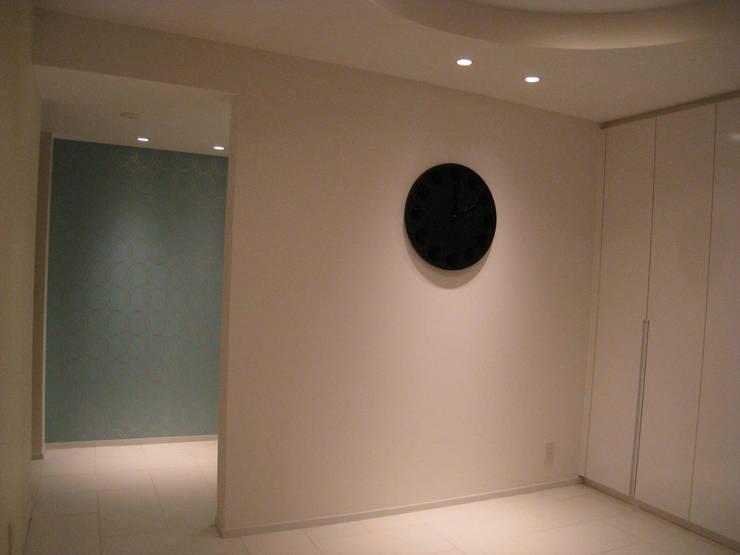 R project: G*FRAME design co.,ltd.が手掛けた廊下 & 玄関です。