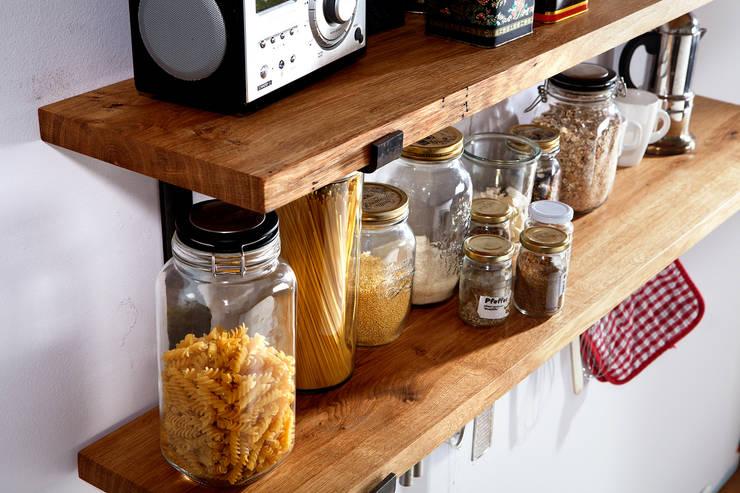 Küchenregal Large aus rohem Stahl und Eiche Vollholz:  Küche von Rough And Ready