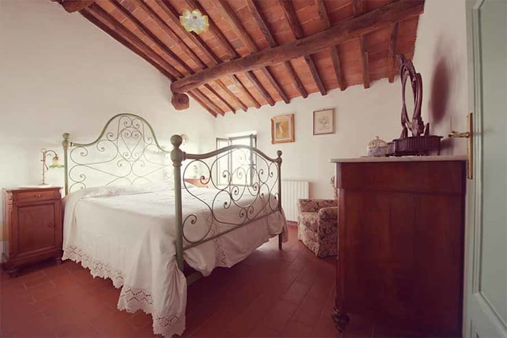 Projekty,  Sypialnia zaprojektowane przez Livio Bargagli Stoffi