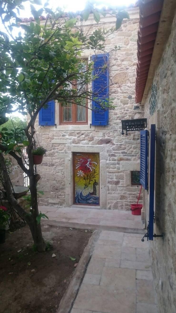 Mozaik Sanat Evi – Cam Mozaik Çalışması:  tarz Ev İçi