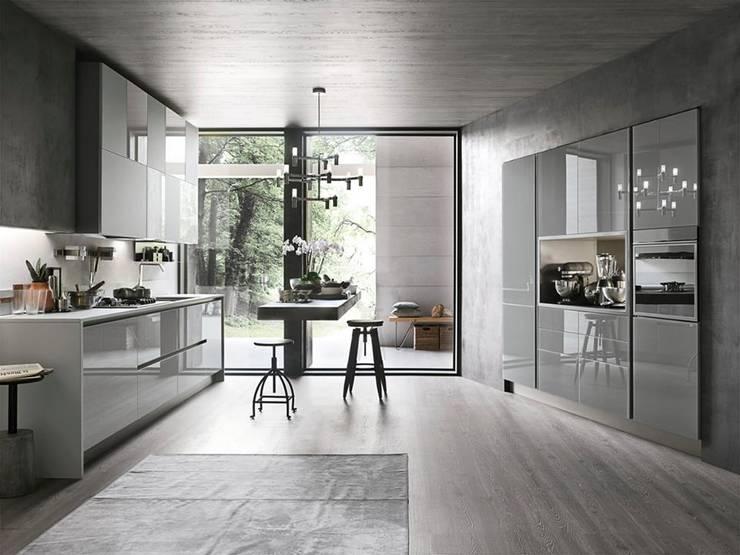 Aliant kitchen by Stosa: Cucina in stile in stile Moderno di Mobilificio Marchese