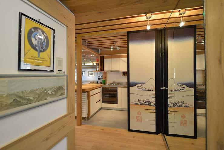 Cocinas de estilo moderno de VITTORIO GARATTI ARCHITETTO Moderno Madera Acabado en madera