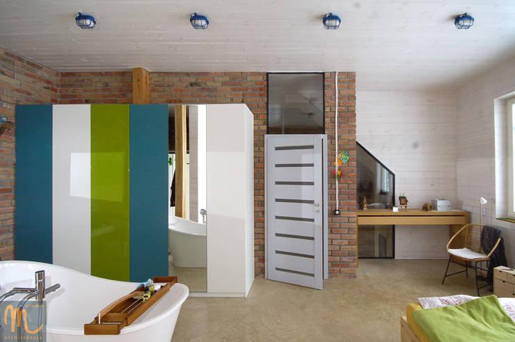 W drewniaku: styl , w kategorii Łazienka zaprojektowany przez studio m Katarzyna Kosieradzka