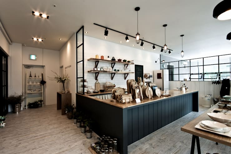 킨포크 스타일 라이프 스타일 샵 <하루키친>: 디자인투플라이의  주방,북유럽
