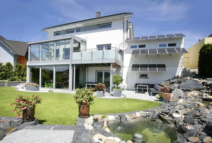 Projekty,  Domy zaprojektowane przez Fertighaus Servicebüro Schwarz