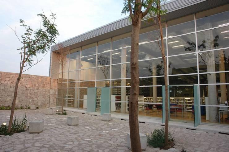 Centro Académico Cultural: Casas de estilo  por Elías Arquitectura