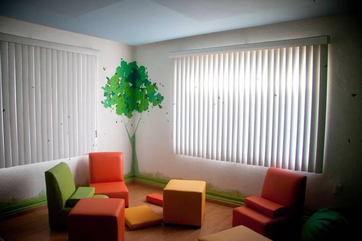 Colgate Palmolive Creative Offices-Mexico: Salas de estilo  por Elías Arquitectura