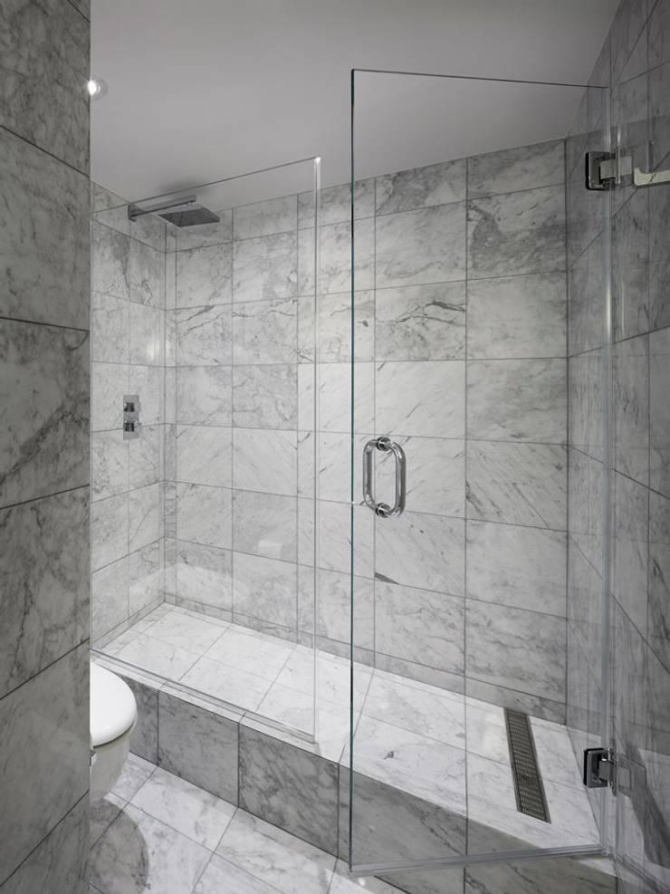 Uppern West Side Apartment-Manhatthan NYC: Baños de estilo  por Elías Arquitectura