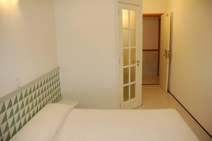 Quarto : Hotéis  por Peixoto Arquitetos Associados