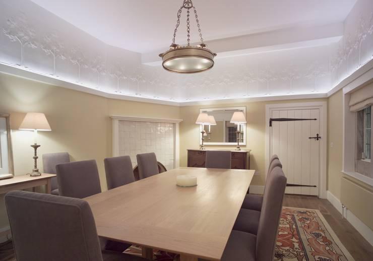 The Dining Room:  Dining room by john bullock lighting design