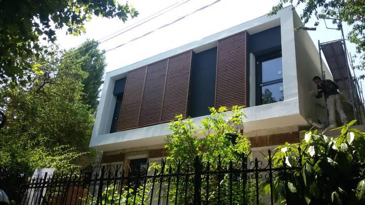 Casa Pré-Fabricada Massy – Paris : Casas  por Nogueira Fernandes, LDA
