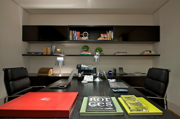 Residencia Serra dos Manacás: Escritórios  por Manuela Senna Arquitetura e Design de Interiores,