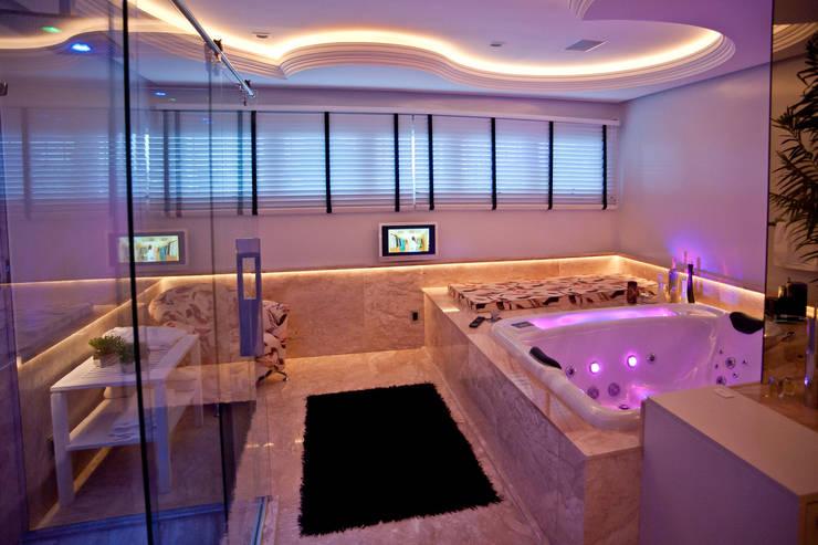 Ванные комнаты в . Автор – Paulinho Peres Group