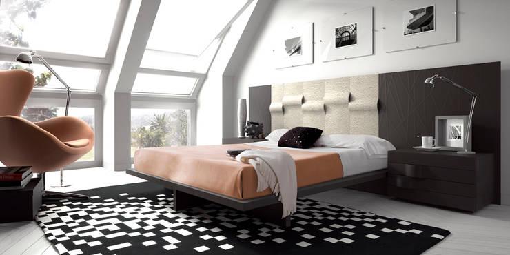 DORMITORIOS: Dormitorios de estilo moderno de MUEBLES OYAGA