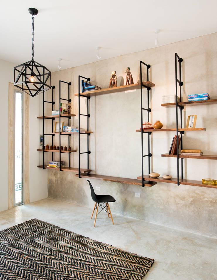 Corridor & hallway by HPONCE ARQUITECTOS, Modern