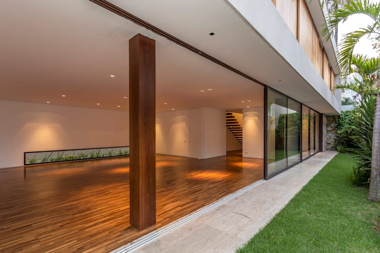 Residência Atlântica: Casas  por Estúdio SB Arquitetura