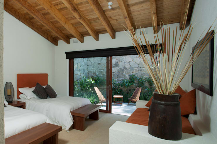 Bedroom by Productos Cristalum