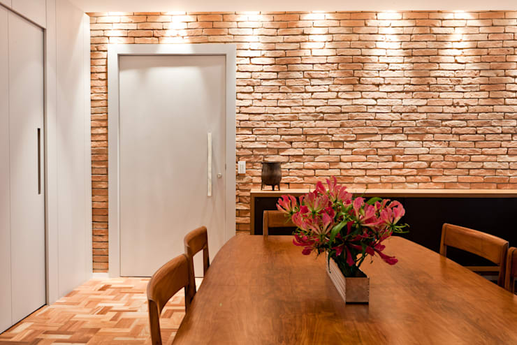 PROJETO APARTAMENTO PINHEIROS CRF : Salas de jantar  por Ambienta Arquitetura ,Moderno