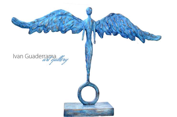 Esculturas: Jardines de estilo  por Galeria Ivan Guaderrama