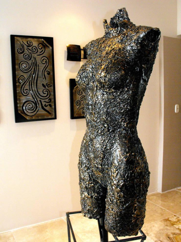 Esculturas: Arte de estilo  por Galeria Ivan Guaderrama