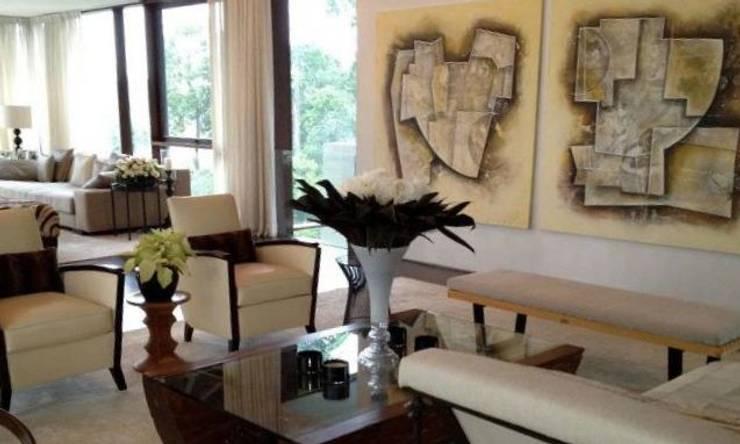 espacios con arte de Daniel Vidal Minimalista Cuero Gris