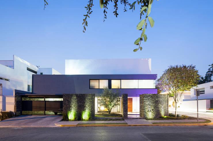 Casa G: Casas de estilo  por NODO Arquitectura