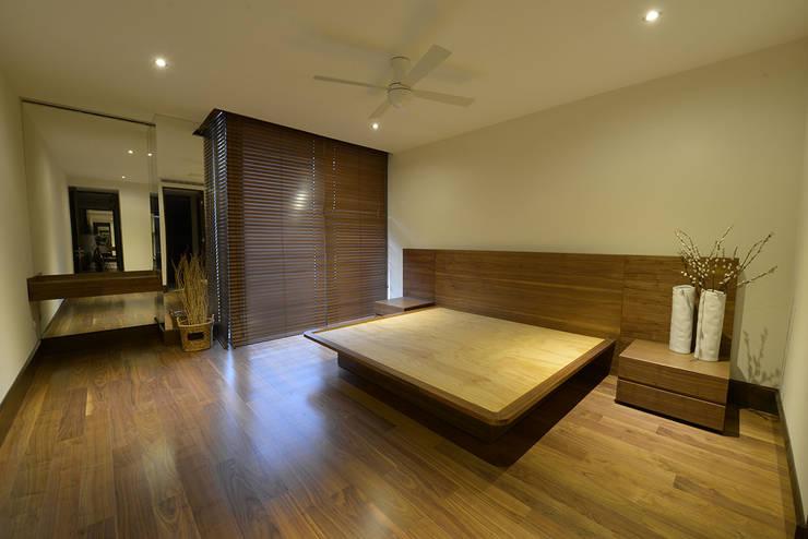 Bedroom by ESTUDIO TANGUMA