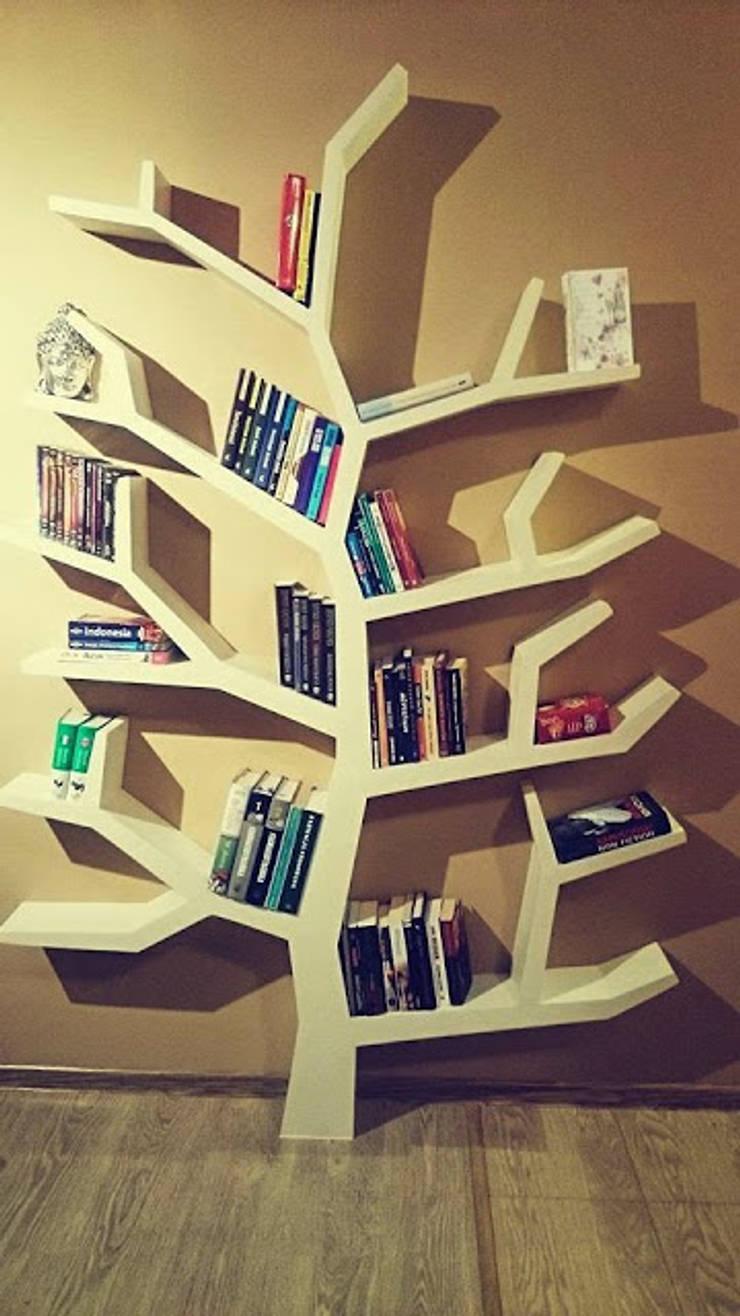 Regał drzewo 215x150x20cm: styl , w kategorii Salon zaprojektowany przez INSPIRUJĄCE PÓŁKI