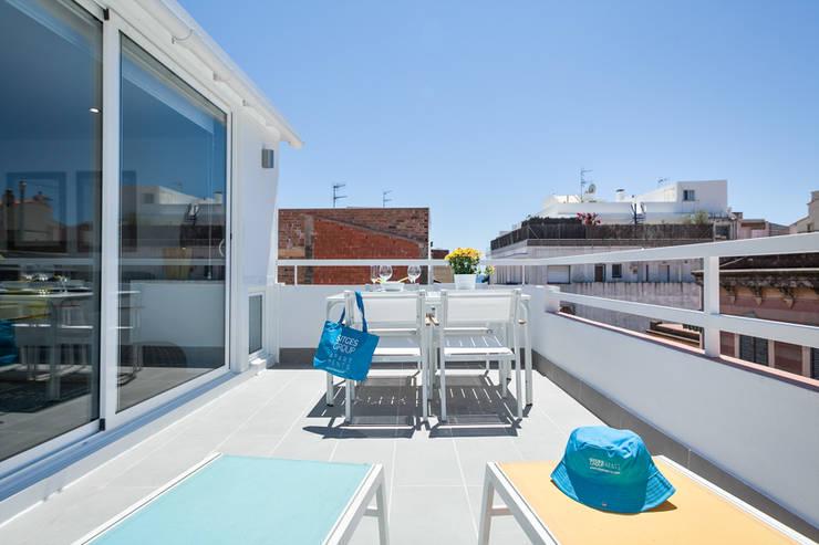 Балкон, веранда и терраса в . Автор – Home Deco Decoración,