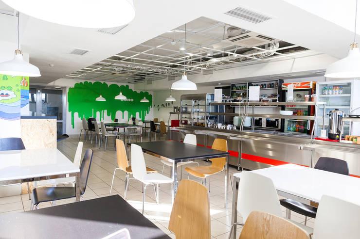Cafe Bono (EPAM Systems): Рабочие кабинеты в . Автор – Алена Булатая